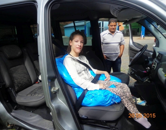 almofada de posicionamento no carro